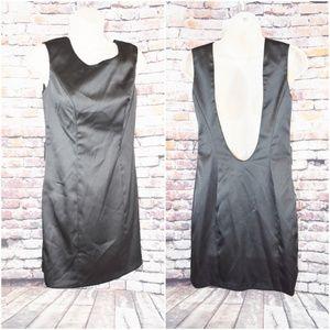 Windsor 5/6 Short Low Drop Little Back Dress Zip